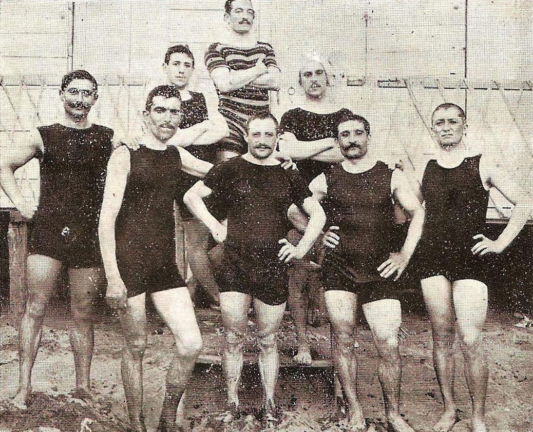 1911 - In primo piano, da sinistra: Ernesto Azzini, Carlo Galetti, Giovanni Rossignoli e Giovanni Gerbi