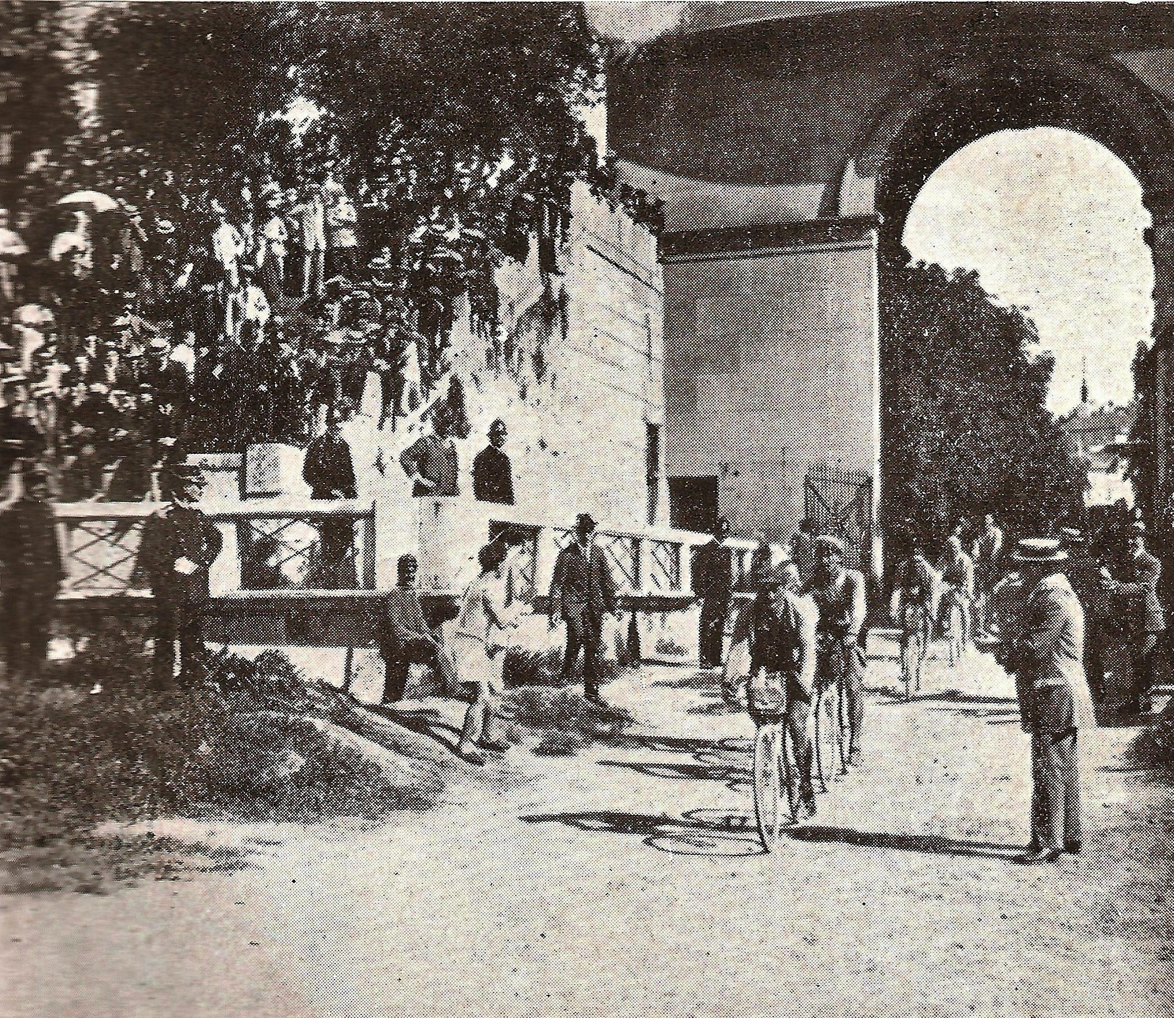 """1910 - Carlo Galetti vincitore, all'arrivo dell'ultima tappa della corsa """"Al mare, ai monti, ai laghi"""", all'Arena di Milano"""