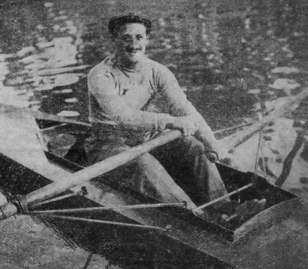 Carlo Galetti in barca - 1910